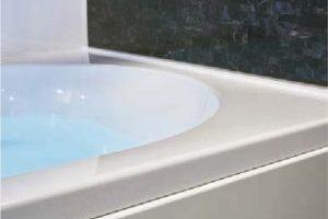 人造大理石の美しい浴槽